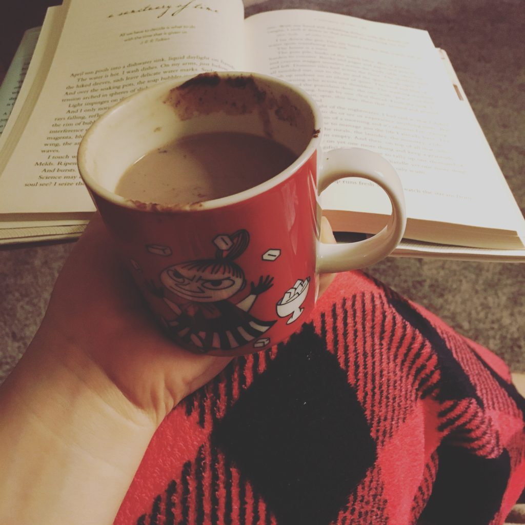 hot chocolate and reading